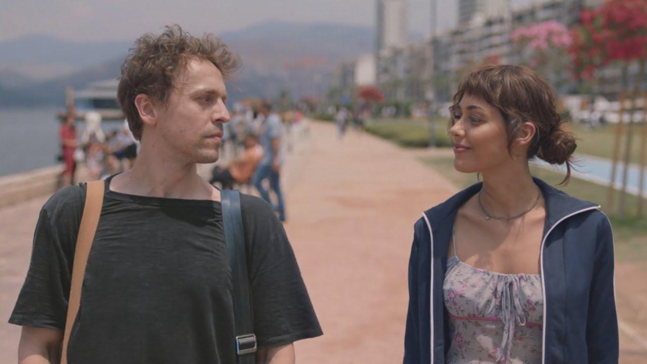 Metin Akdülger and Dilan Çiçek Deniz in Yarına Tek Bilet (One-Way to Tomorrow)