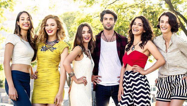 Tatlı Küçük Yalancılar (Sweet Little Liars) (2015) was a phenomenon Turkish youth series