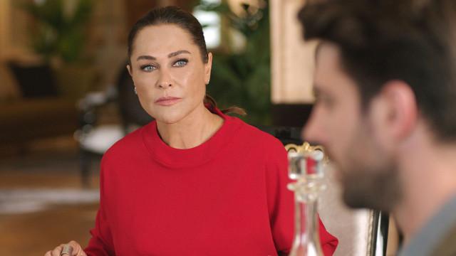 Veteran Turkish actress Hülya Avşar is acting as Hale Ilgaz