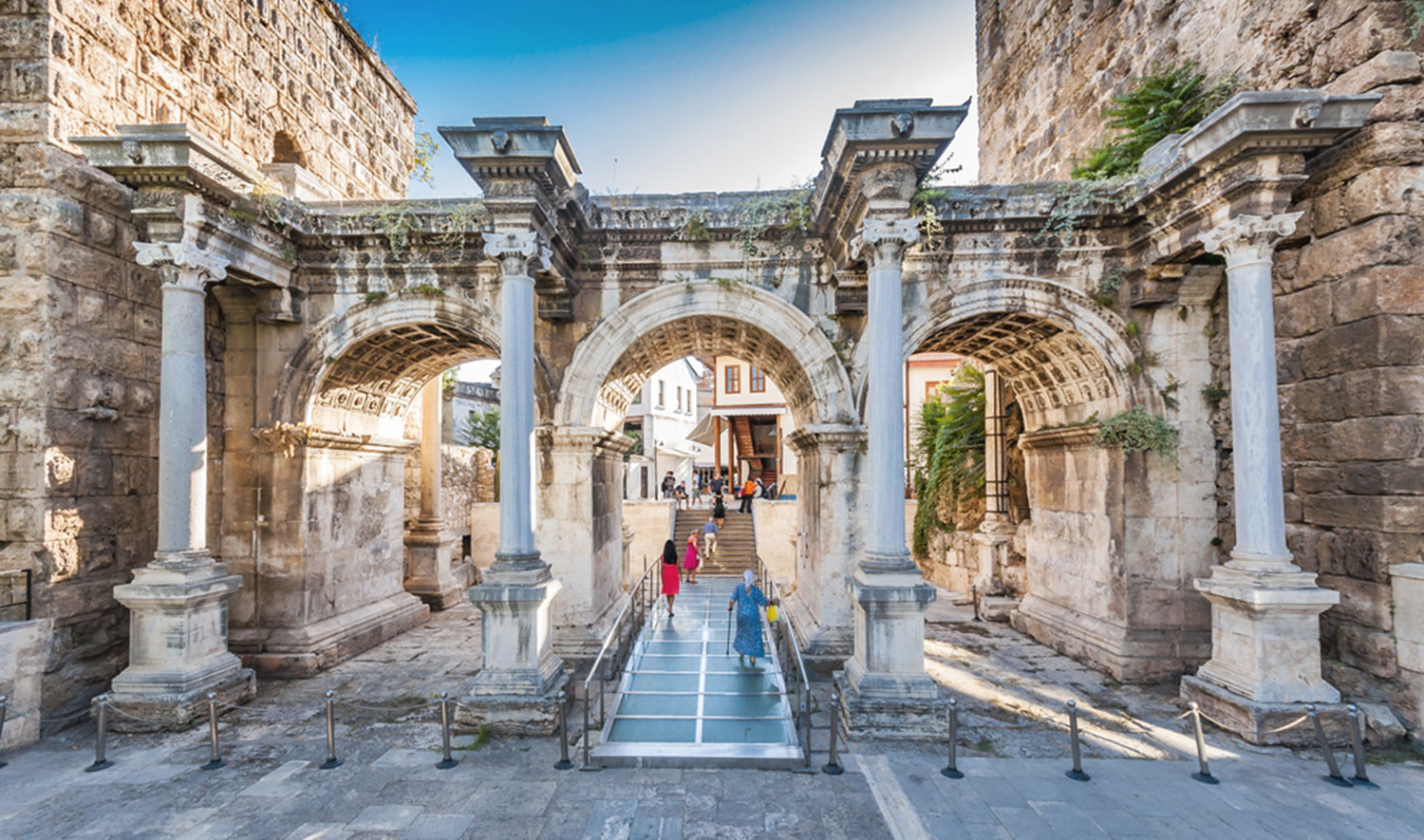 Hadrian's Gate is located right on Atatürk Boulevard in Antalya's city center