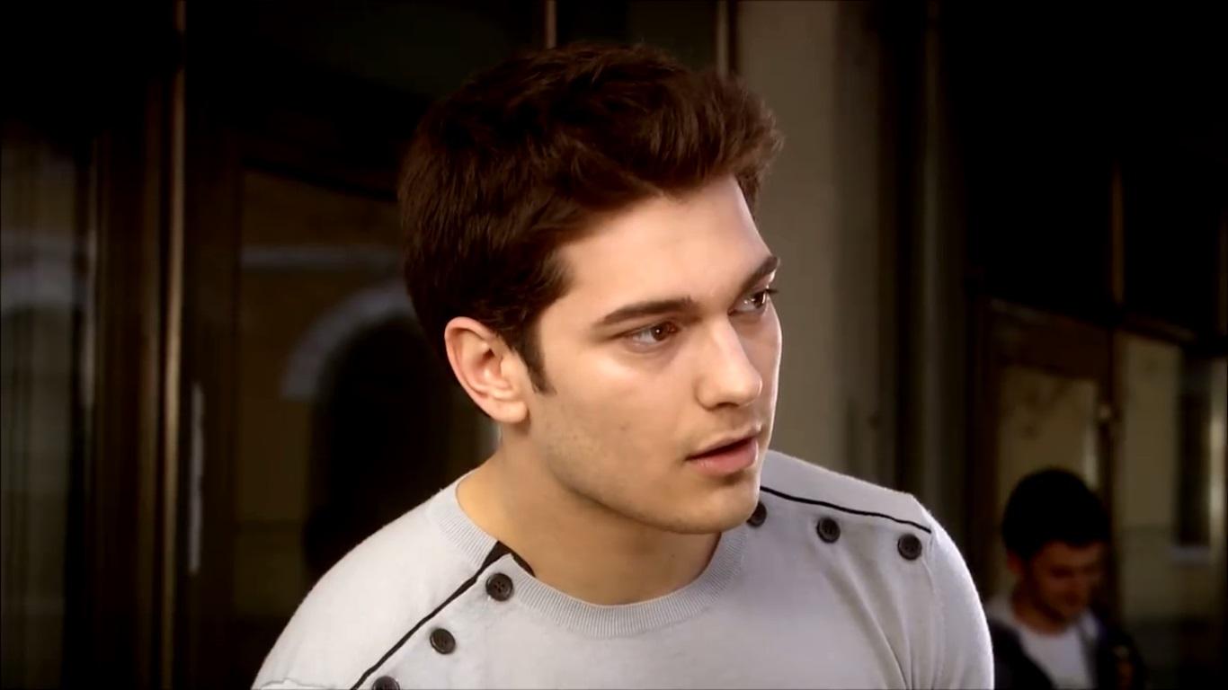 Çağatay Ulusoy as Emir Sarrafoglu in Adını Feriha Koydum (I Named Her Feriha), 2011
