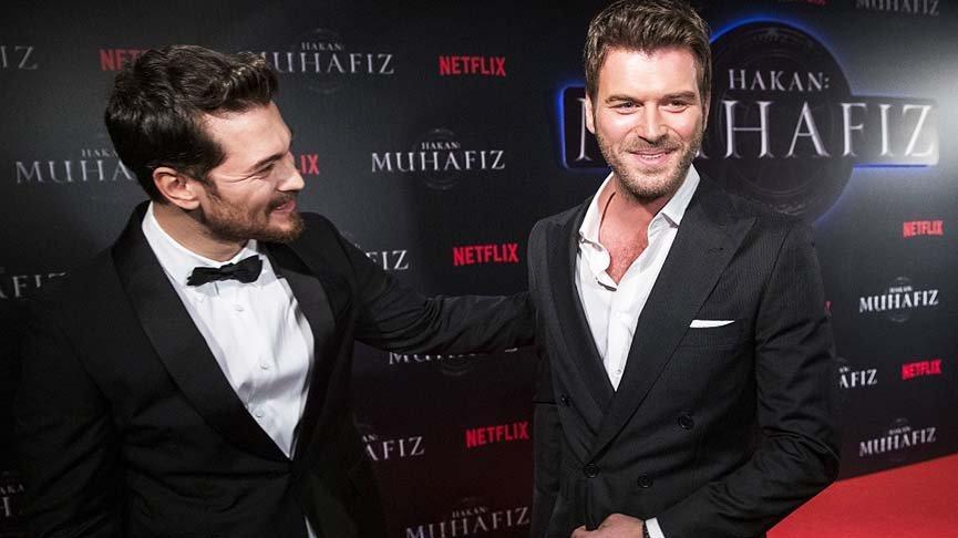 The actor has a strong friendship with the eminent Turkish actor Kıvanç Tatlıtuğ