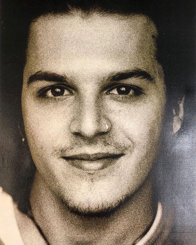 The handsome turkish actor Mehmet Günsür