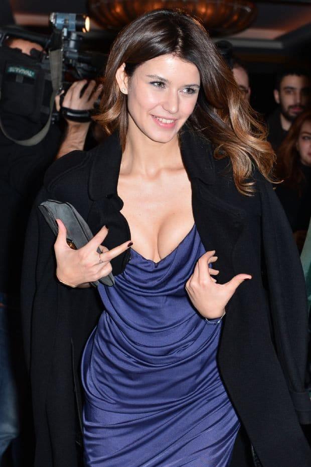 Beren Saat with her decollete dress