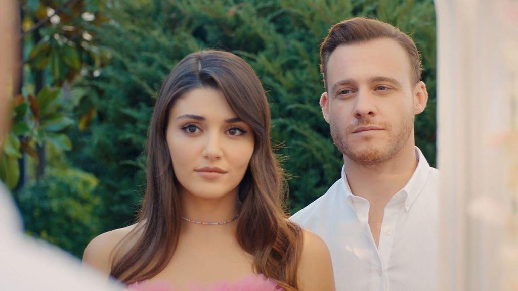 Eda (Hande Erçel) and Serkan (Kerem Bürsin)