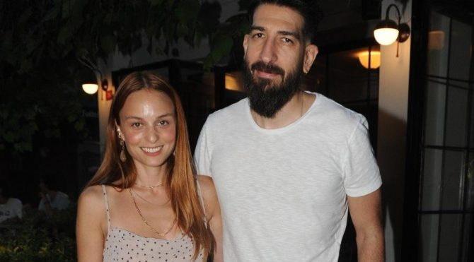 Nilperi Şahinkaya and her sculptor boyfriend Emre Yusufi