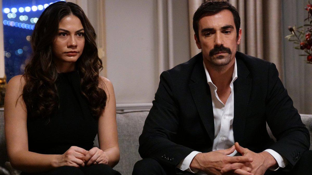Zeynep (Demet Özdemir) and Mehdi (İbrahim Çelikkol)