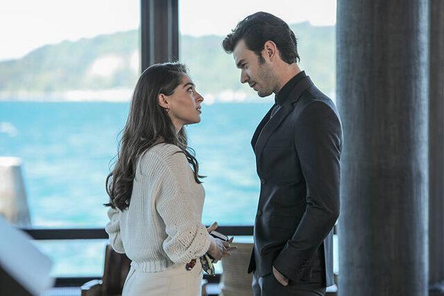 Aytaç Şaşmaz and Cemre Baysel has been making a great couple on TV