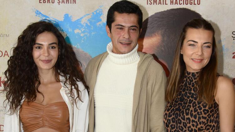 Ebru Şahin, İsmail Hacıoğlu, and Burcu Kara are the leading roles of Blind Love
