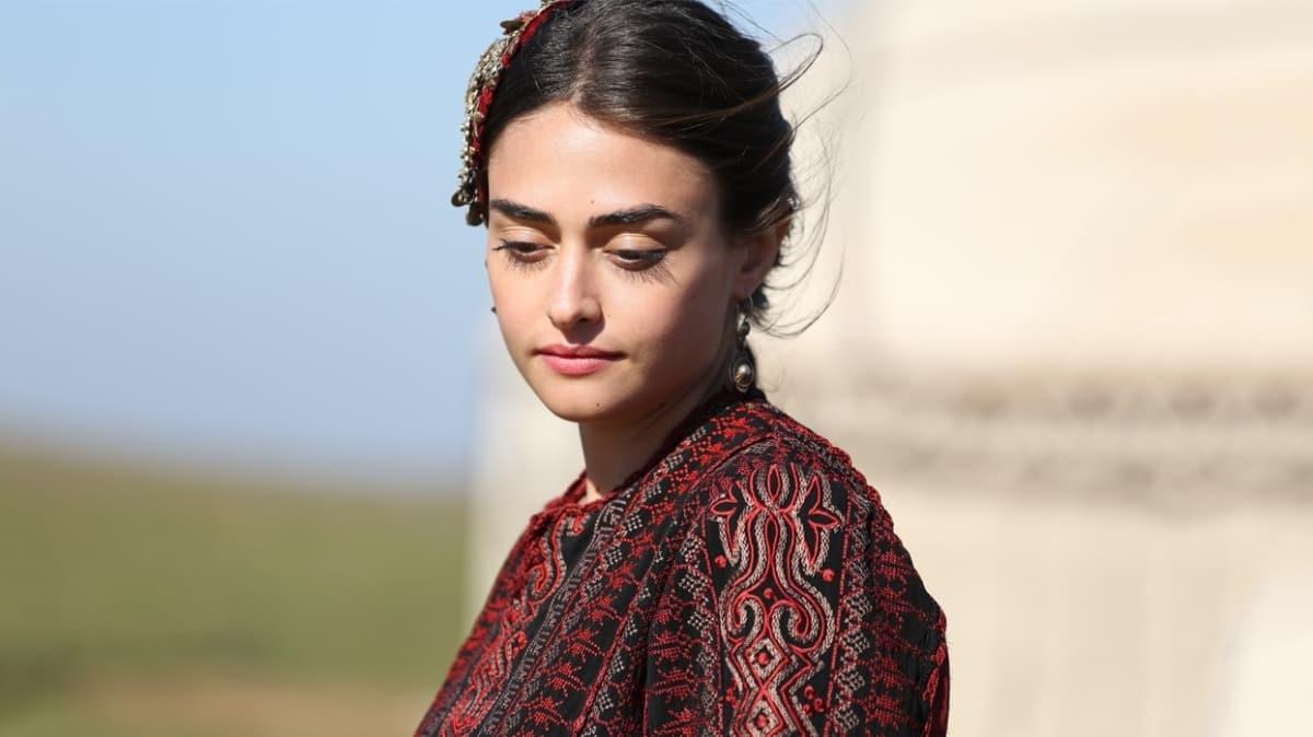 Esra Bilgiç was born in Ankara on October 14, 1992