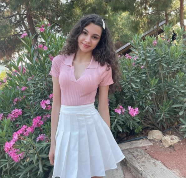 The 17-year-old Turkish actress draws great attention with her pure beauty