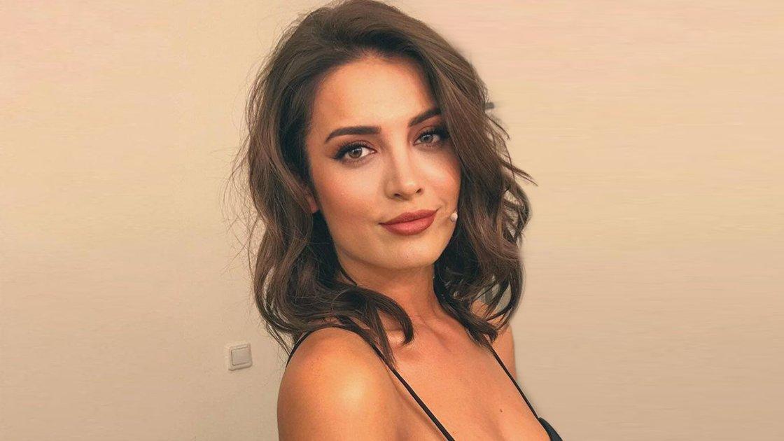 The attractive Turkish actress İrem Sak