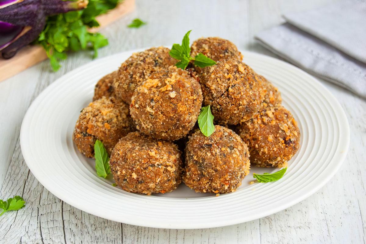 Eggplant meatballs is one of the most popular Turkish meatballs in Diyarbakır cuisine