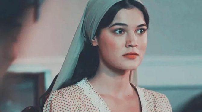 With her role as Yıldız in Vatanım Sensin (Wounded Love), Pinar Deniz made her breakthrough