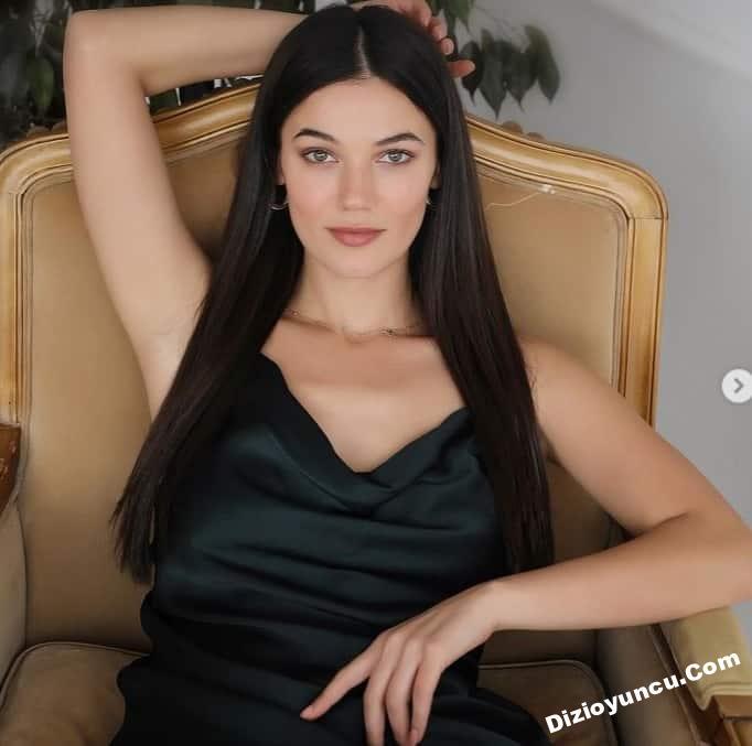 Beautiful Turkish actress Pinar Deniz