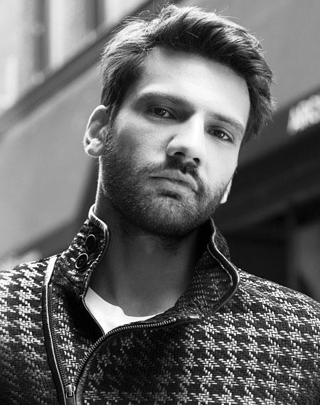 The 40-year-old Turkish actor Kaan Urgancioglu is 1.82 meters tall